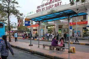Hà Nội bến xe vắng vẻ, đường phố tắc nghẽn