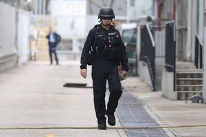 Khoảnh khắc cảnh sát HK kích nổ quả lựu đạn từ Thế chiến I