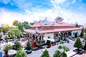Ngôi chùa rồng trên mặt nước tuyệt đẹp tại An Giang