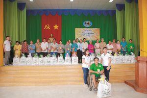 'Mùa Xuân ấm áp' của HEINEKEN Việt Nam tiếp tục đến với hơn 4.000 gia đình có hoàn cảnh khó khăn trên cả nước