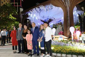 Phó Thủ tướng dự khai mạc đường hoa Nguyễn Huệ 2019