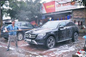 Dịch vụ rửa xe hốt bạc ngày giáp Tết, tăng giá 2-3 lần