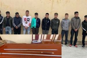 Thanh Hóa: Bắt giữ hàng chục thanh niên mang theo hung khí hỗn chiến trong đêm