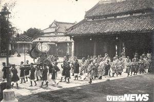 Vua quan nhà Nguyễn xưa du xuân thế nào?