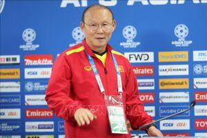 Korean Air tài trợ vé máy bay cho Huấn luyện viên Park Hang-seo