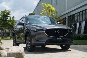 XE HOT QUA ẢNH (4/2): Bảng giá xe Mazda tháng 2, 7 đối thủ nặng ký của VinFast Pre tại Việt Nam