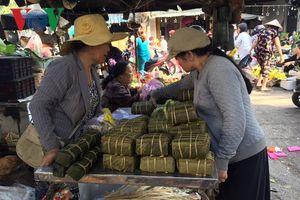 Chợ ngoại ô Đà Nẵng sáng 30 Tết: Sức mua tăng cao, giá tăng nhẹ