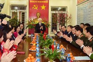 Tổng Bí thư, Chủ tịch nước Nguyễn Phú Trọng chúc Tết nhân dân, người lao động tại Hà Nội