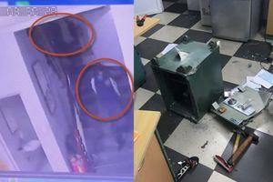 Clip 2 đạo tặc sáng mùng 1 Tết đột nhập công ty phá két sắt nhưng về tay trắng