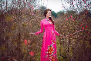 Hoa khôi Trần Bảo Ngọc duyên dáng diện áo dài đón Tết