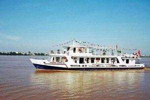 Độc đáo ngày Tết, đón tour du lịch sông Hồng giá rẻ bằng tàu thủy