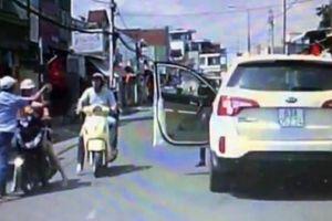 Tài xế ô tô đánh phụ nữ chưa trình diện