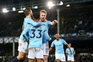 Thắng Everton, Man City lên ngôi đầu bảng Premier League