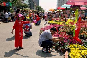 Đường hoa, Hội Hoa Xuân TPHCM tiếp tục thu hút đông du khách