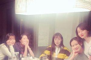 'Chị đẹp' Son Je Yin tụ họp dàn mỹ nhân sau tin đồn yêu Hyun Bin