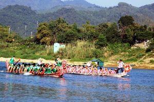 Sôi nổi hội đua thuyền trên sông tại nhiều địa phương