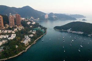Cuộc sống xa hoa của giới siêu giàu Hong Kong