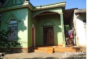 Thua bạc, người đàn ông ở Nghệ An mua xăng về nhà tự thiêu