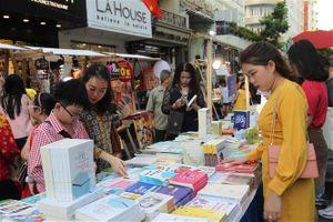 Con đường đưa sách Việt ra thế giới