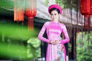 Dàn mỹ nhân Miss Photo xúng xính áo dài chơi Tết