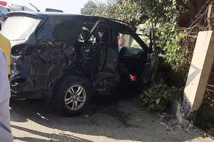 Xe khách tông ô tô biển xanh: 8 người thương vong trong cùng gia đình