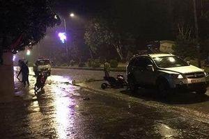 Hà Tĩnh: Xe ô tô tông vào đoàn người rước kiệu khiến 4 người thương vong