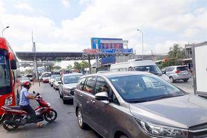 ĐBSCL: Nhiều cầu, phà bị kẹt xe hàng giờ sau kỳ nghỉ tết