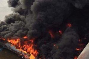 Tuyên Quang: Quán thuyền chài cháy ngùn ngụt đúng mùng 6 Tết