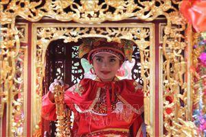 Hình ảnh về các nghi thức trong lễ hội đền Sóc