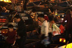 Du khách 'xuyên đêm' trẩy hội chùa Hương Xuân Kỷ Hợi