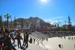 Du khách đổ về Lào Cai đông kỷ lục trong dịp Tết Nguyên đán