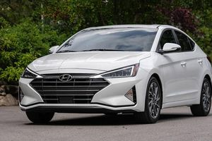 Hyundai Elantra 2019 sẽ lắp ráp trong nước và ra mắt trong quý II