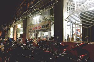 Người Sài Gòn chen chúc đi ăn cá kèo đầu năm