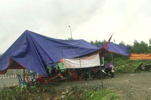 Dân dựng rạp trước nhà máy rác vì ô nhiễm
