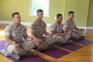 Học cách thở như lính Mỹ giúp giảm áp lực nhanh chóng