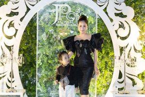 Mới 3 tuổi, con trai Khánh Thi sở hữu bộ sưu tập đồ hiệu cả trăm triệu đồng