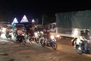 Tránh tắc đường sau Tết, người dân chọn chạy xe suốt đêm để về TP Hồ Chí Minh