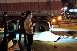 Xe máy đụng ô tô đầu kéo, 3 người thương vong
