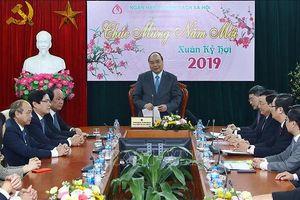 Thủ tướng 'xông đất' Ngân hàng Chính sách đầu năm mới