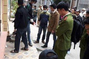 Khởi tố nhóm thanh niên bán đào đánh người tử vong