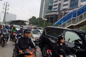Đường phố Hà Nội thông thoáng ngày đầu đi làm sau nghỉ Tết