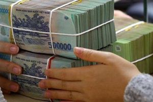 Truy tìm thanh niên mở cửa ô tô giật túi xách cướp 100 triệu đồng