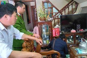 Khám nơi ở của nghi can sát hại nữ sinh giao gà tại Điện Biên