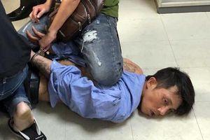 Người đàn ông ngáo đá cầm súng giả gây náo loạn sân bay Tân Sơn Nhất