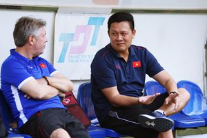 HLV U22 Việt Nam: 'Chúng tôi khác nhưng vẫn học ông Park Hang-seo'