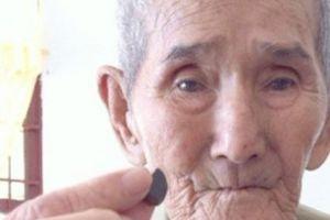'Thầy rắn' 95 tuổi nắm giữ bảo bối giải độc rắn cực kỳ linh nghiệm