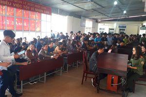 Hàng ngàn người dân Hà Tĩnh làm hộ chiếu đi lao động nước ngoài