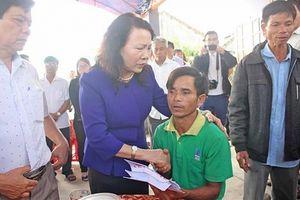 Bộ GD&ĐT thăm hỏi, động viên gia đình các học sinh bị đuối nước ở tỉnh Quảng Nam