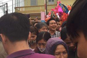 Chợ Viềng đông nghẹt, nhiều người năm nào cũng đến