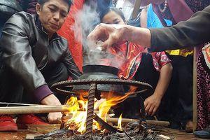 Từng bừng trong khói lửa của cuộc thi thổi cơm ở làng Thị Cấm